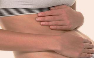 Что делать, когда болит желудок вверху посередине