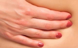 Появилась шишка на животе: что это означает и как лечить